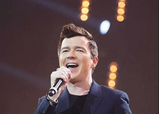 Rick Astley – Never Gonna Give You Up (2013)
