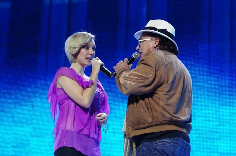 Al Bano with his daughter Cristel Carrisi – Ci Sara (2011)