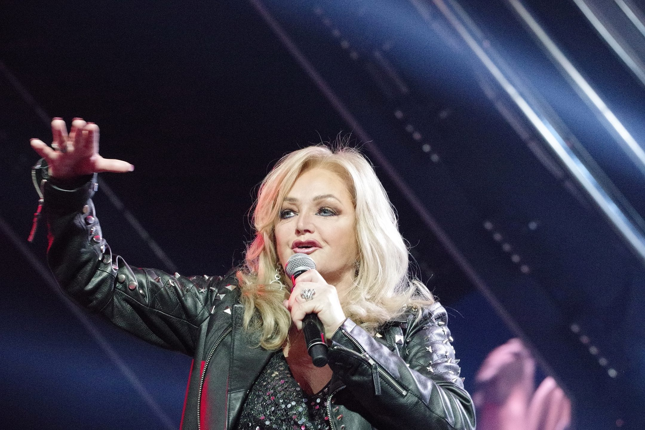 Bonnie Tyler – Total Eclipse of The Heart (2017)